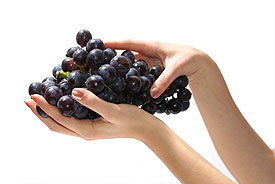 grapes_in_hand_small